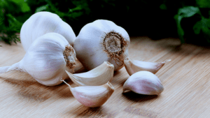 Garlic-bulbs1