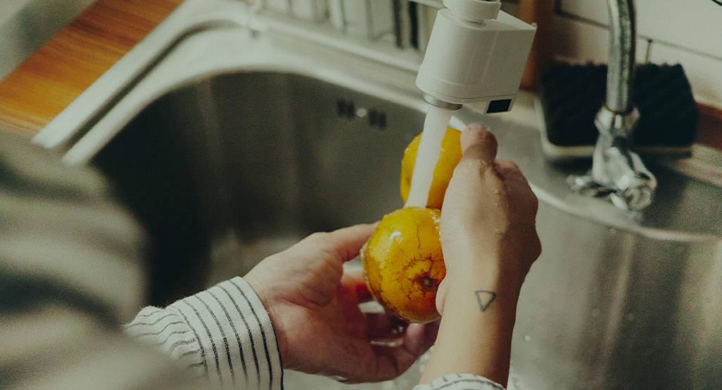 كيفية غسل الفواكه والخضروات