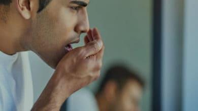 اسباب رائحة الفم الكريهة والتخلص منها