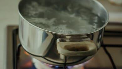 علاج الحروق بالماء الساخن