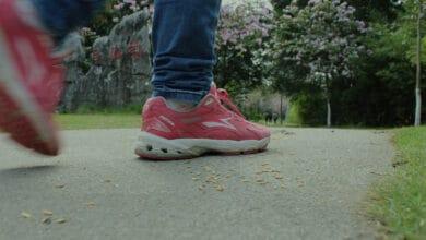 فوائد المشي السريع