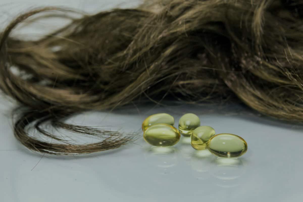 فوائد زيت السمك لتطويل الشعر وزيادة سماكته